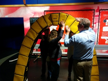 Building an arch at the Kentucky Science Center